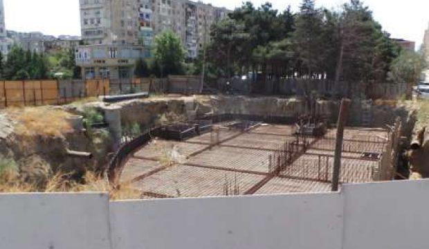 Ayna Sultanova parkında hansı oliqarxın obyekti tikilir? – Yaşıllıq məhv edilir